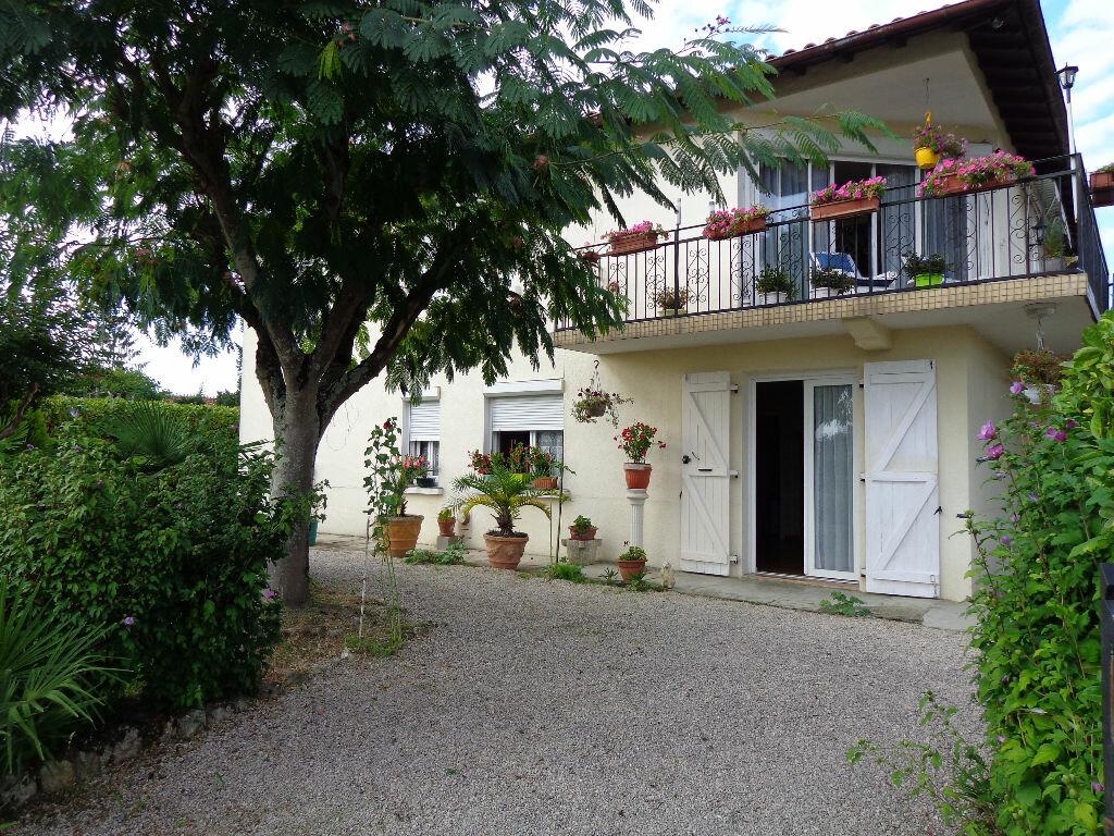 Achat Maison 10 pièces à Saint-Germé - vignette-1