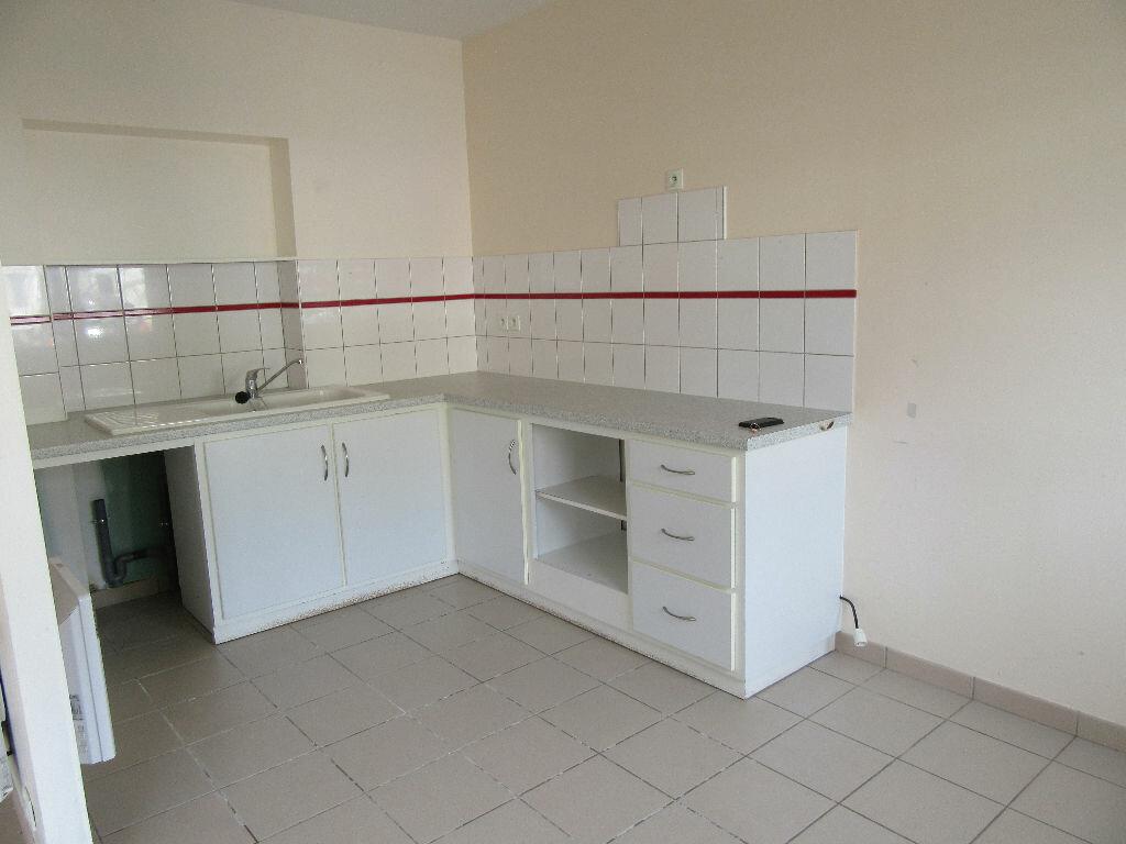 Location Appartement 3 pièces à Garlin - vignette-3