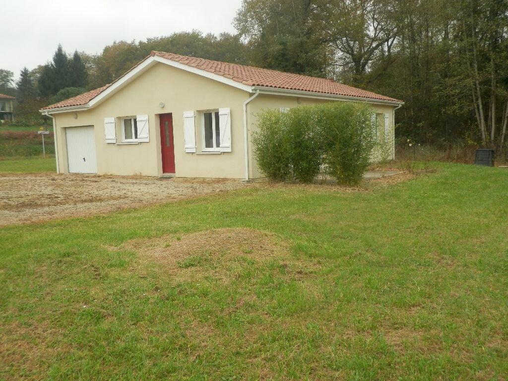 Location Maison 4 pièces à Duhort-Bachen - vignette-1
