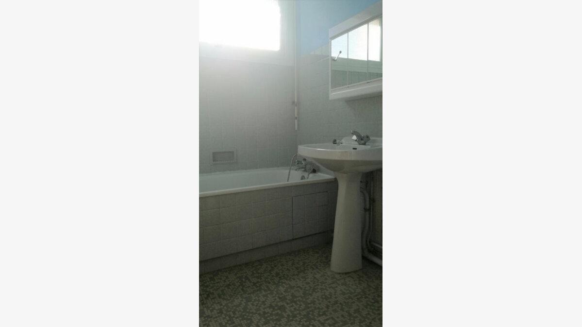 Location Appartement 1 pièce à Aire-sur-l'Adour - vignette-5