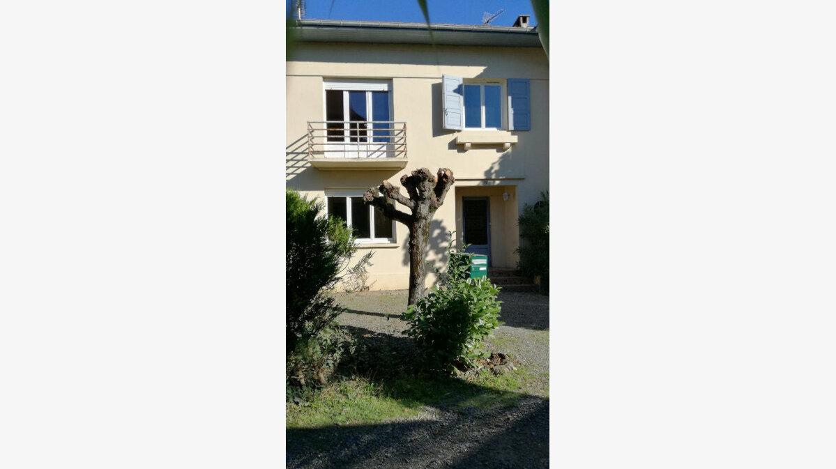 Location Maison 5 pièces à Aire-sur-l'Adour - vignette-1