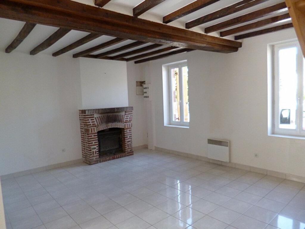 Location Maison 4 pièces à Villemurlin - vignette-1