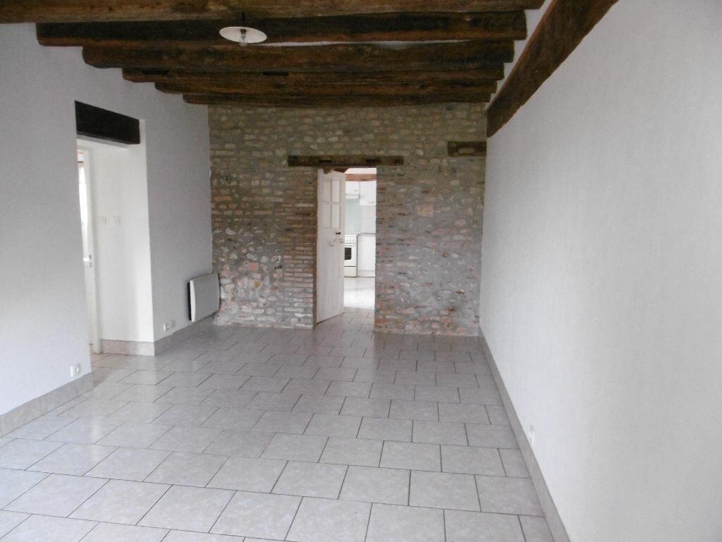 Location Maison 2 pièces à Cerdon - vignette-1