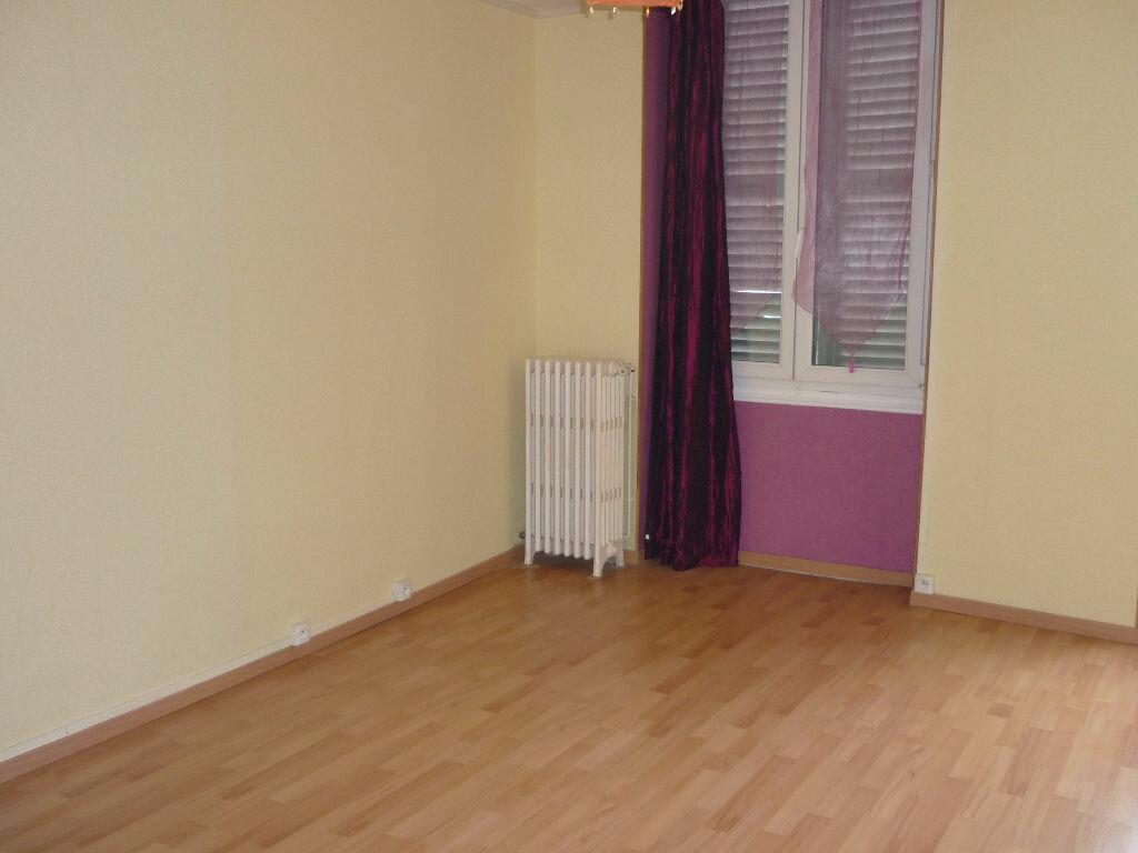 Location Appartement 2 pièces à Sully-sur-Loire - vignette-5