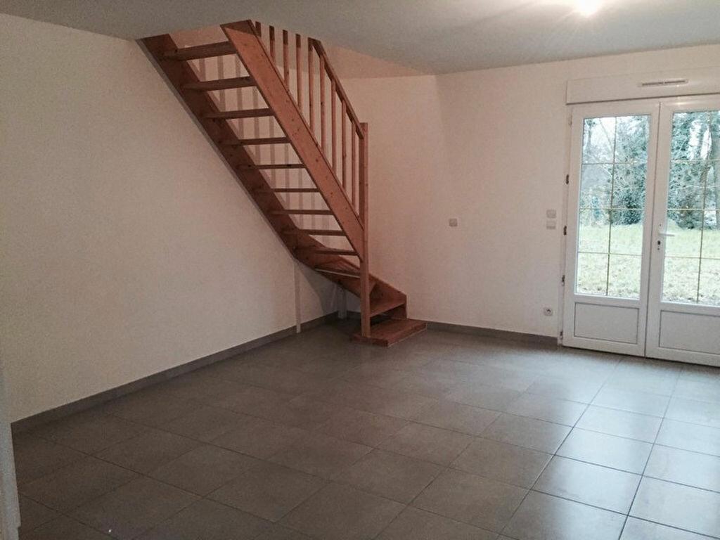 Location Maison 3 pièces à Saint-Aignan-le-Jaillard - vignette-1
