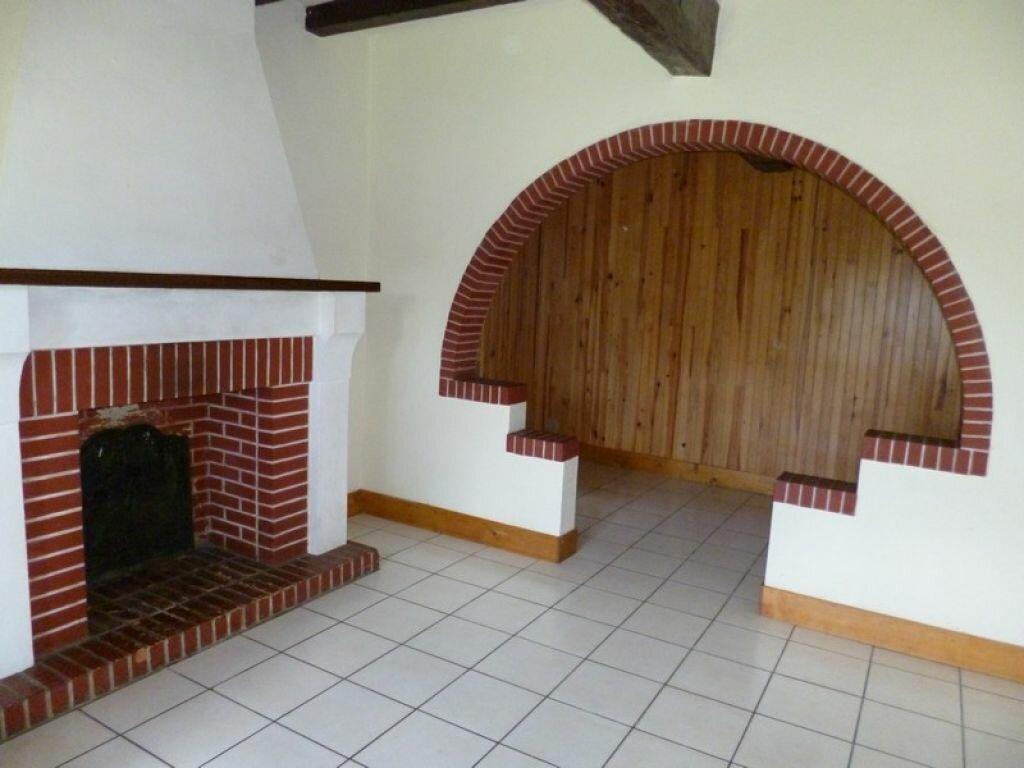 Location Maison 3 pièces à Dampierre-en-Burly - vignette-2