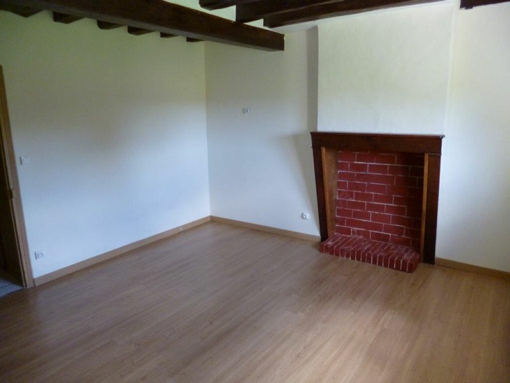 Location Maison 3 pièces à Dampierre-en-Burly - vignette-3