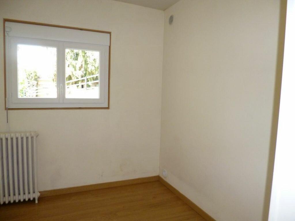 Location Maison 3 pièces à Dampierre-en-Burly - vignette-5