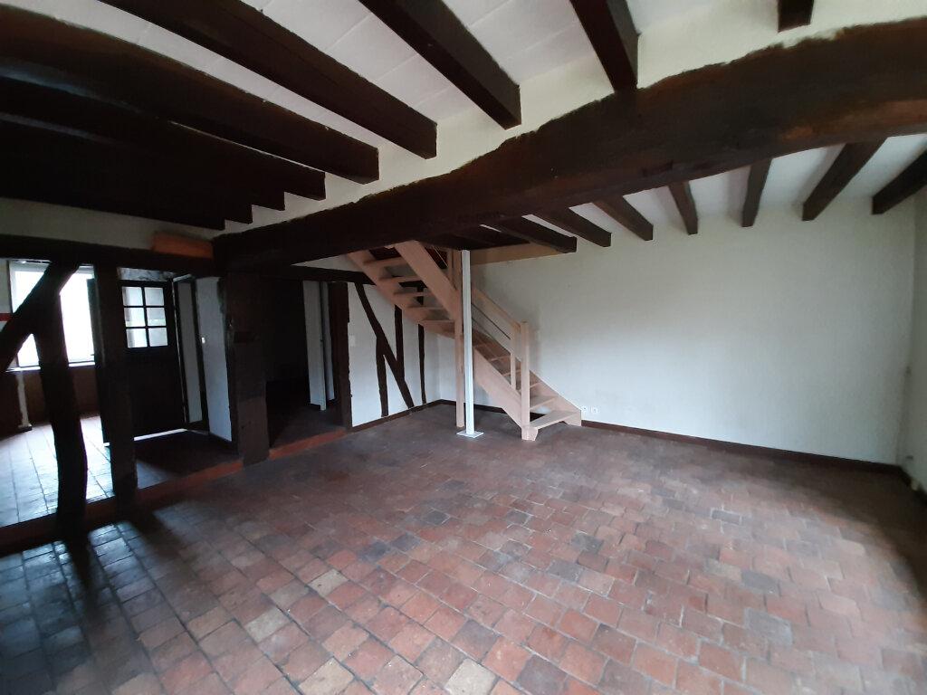 Location Maison 3 pièces à Saint-Benoît-sur-Loire - vignette-1