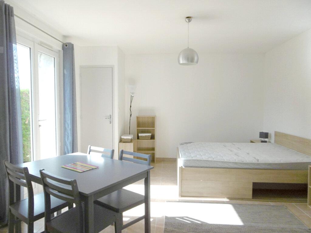 Location Appartement 1 pièce à Sully-sur-Loire - vignette-1