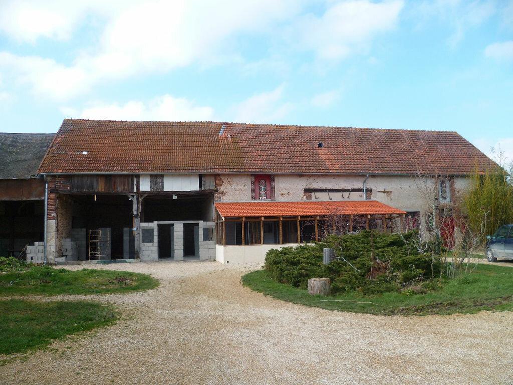 Achat Maison 10 pièces à Saint-Maurice-sur-Aveyron - vignette-3