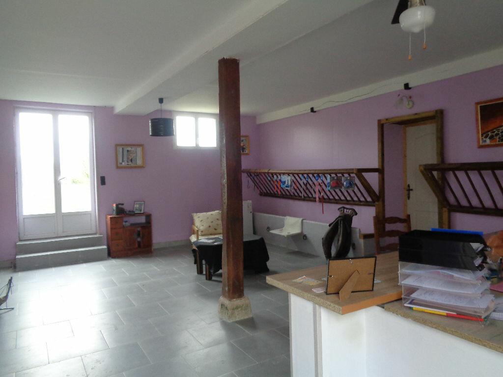 Achat Maison 10 pièces à Saint-Maurice-sur-Aveyron - vignette-5