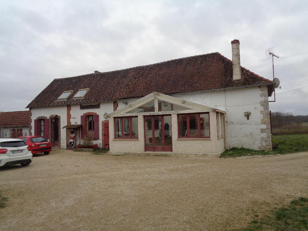 Achat Maison 10 pièces à Saint-Maurice-sur-Aveyron - vignette-11