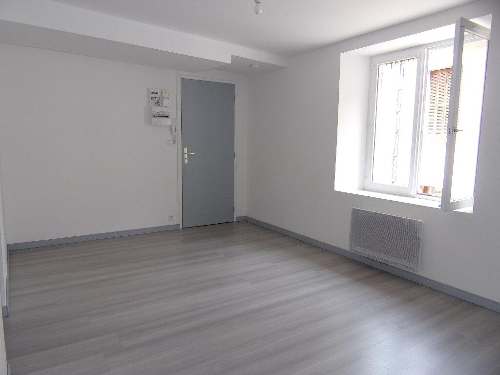 Location Appartement 1 pièce à Nogent-sur-Vernisson - vignette-1