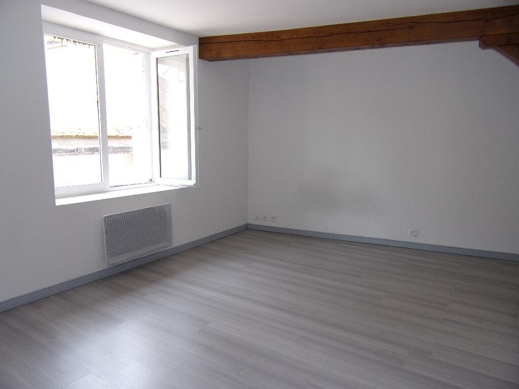 Location Appartement 1 pièce à Nogent-sur-Vernisson - vignette-2