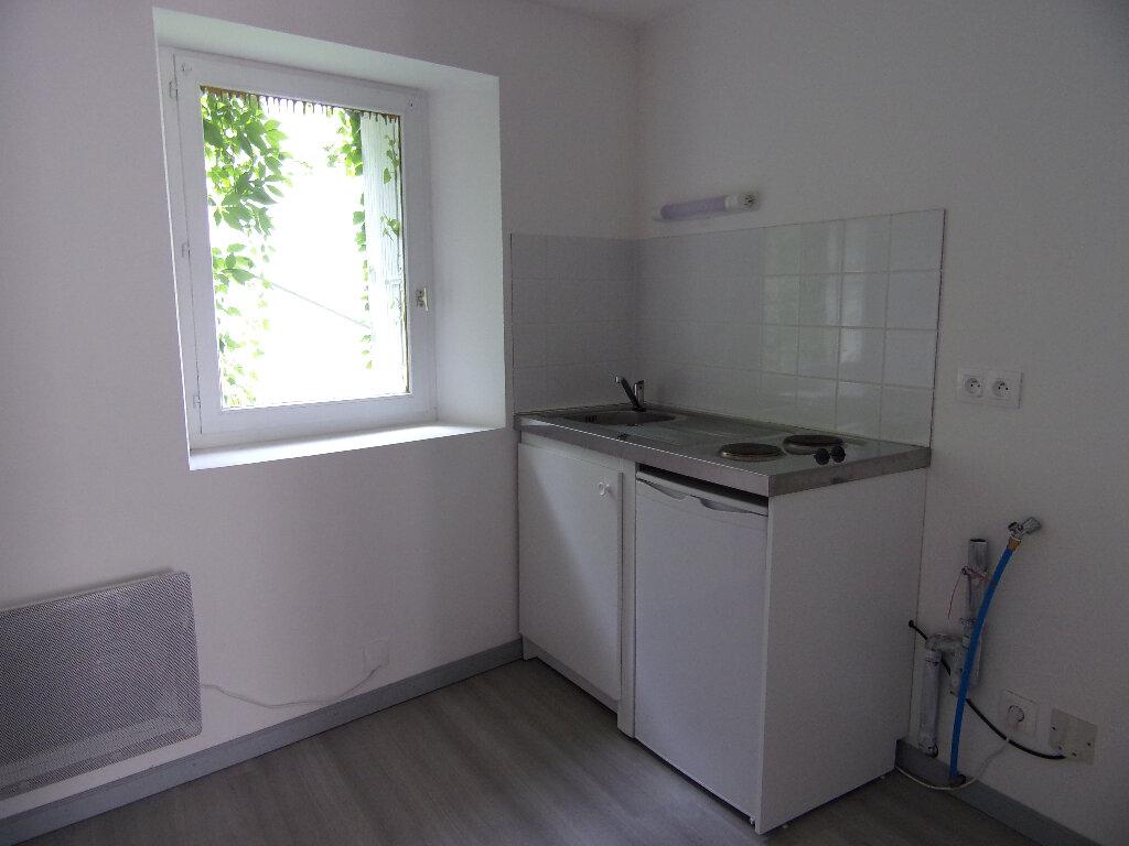 Location Appartement 1 pièce à Nogent-sur-Vernisson - vignette-3