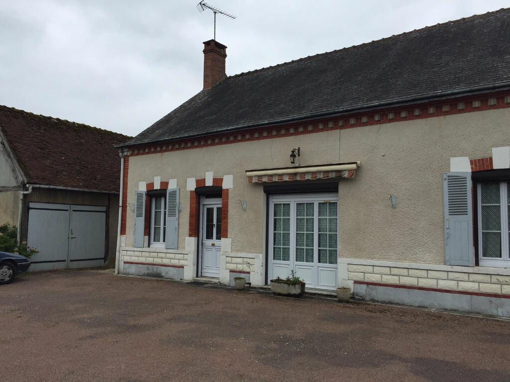 Achat Maison 4 pièces à Beauchamps-sur-Huillard - vignette-1