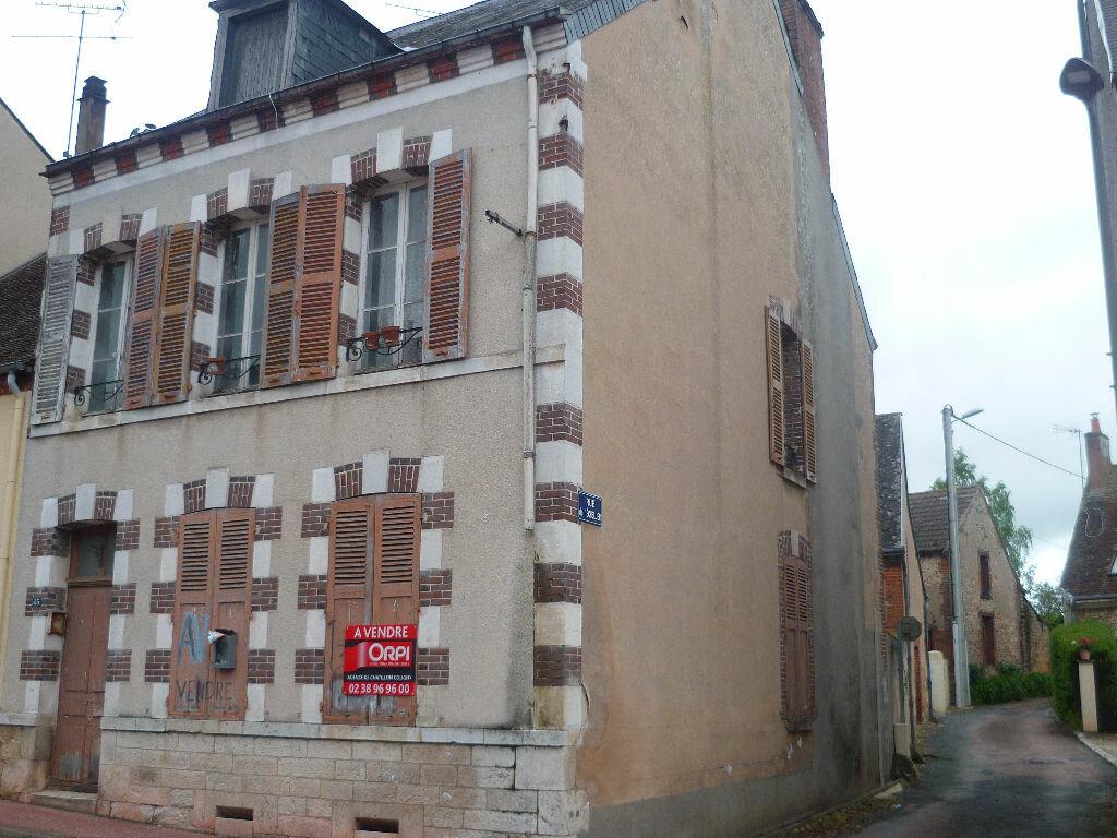 Achat Maison 4 pièces à Sainte-Geneviève-des-Bois - vignette-1