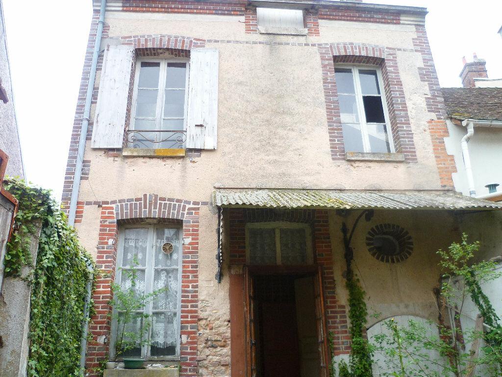 Achat Maison 4 pièces à Sainte-Geneviève-des-Bois - vignette-3
