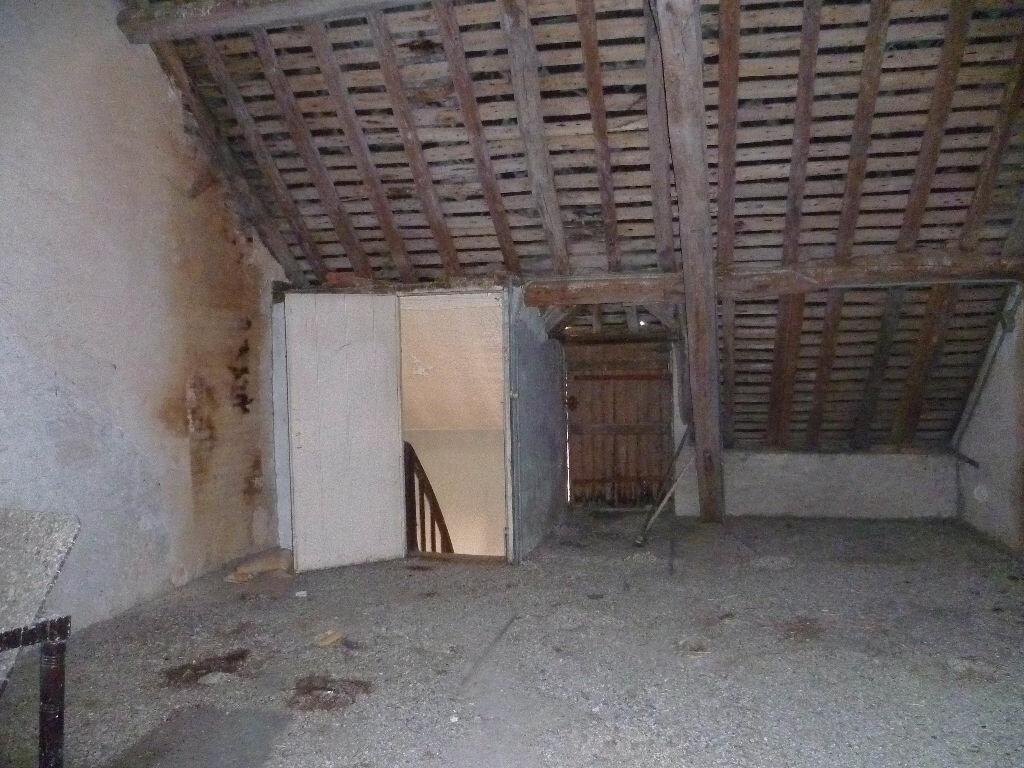 Achat Maison 4 pièces à Sainte-Geneviève-des-Bois - vignette-9