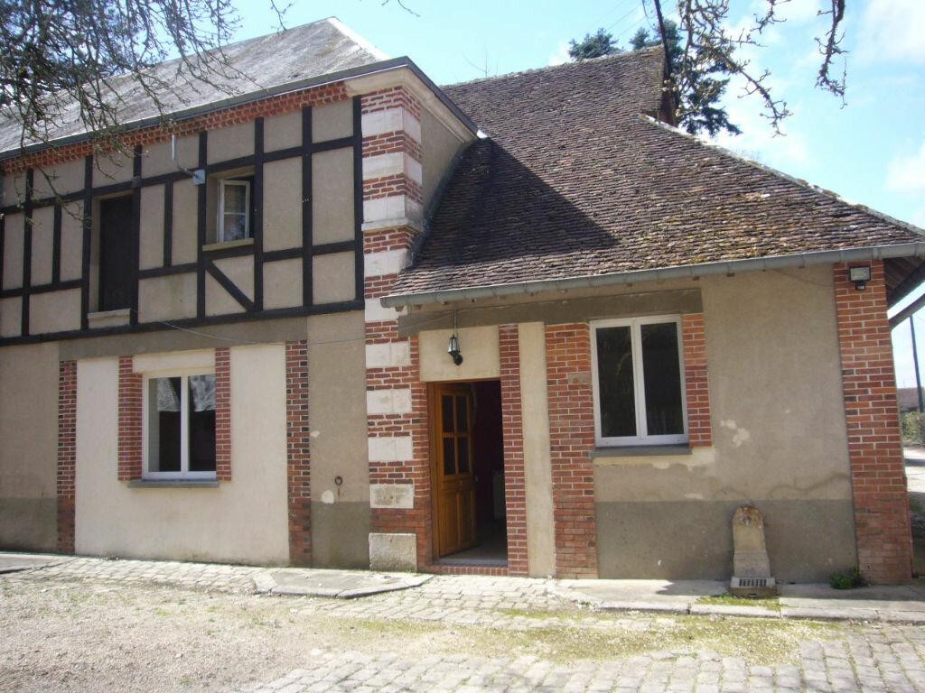 Location Maison 2 pièces à Sainte-Geneviève-des-Bois - vignette-1