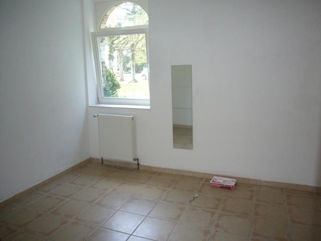 Location Maison 2 pièces à Sainte-Geneviève-des-Bois - vignette-4