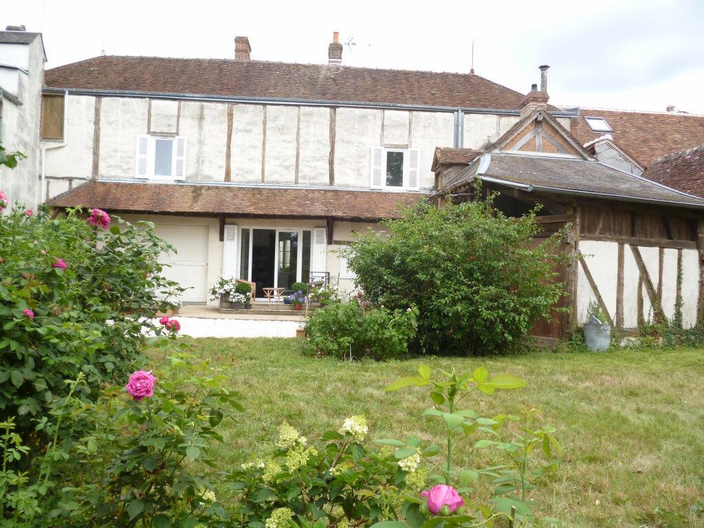 Achat Maison 7 pièces à Bellegarde - vignette-4