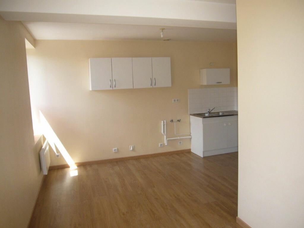 Location Appartement 2 pièces à Ladon - vignette-1