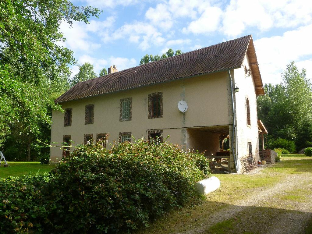 Achat Maison 16 pièces à La Chapelle-sur-Aveyron - vignette-1