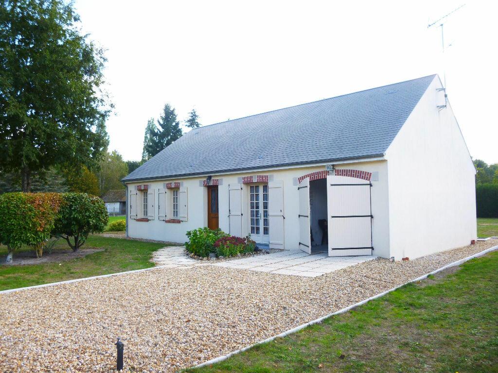 Location Maison 5 pièces à Châteauneuf-sur-Loire - vignette-1