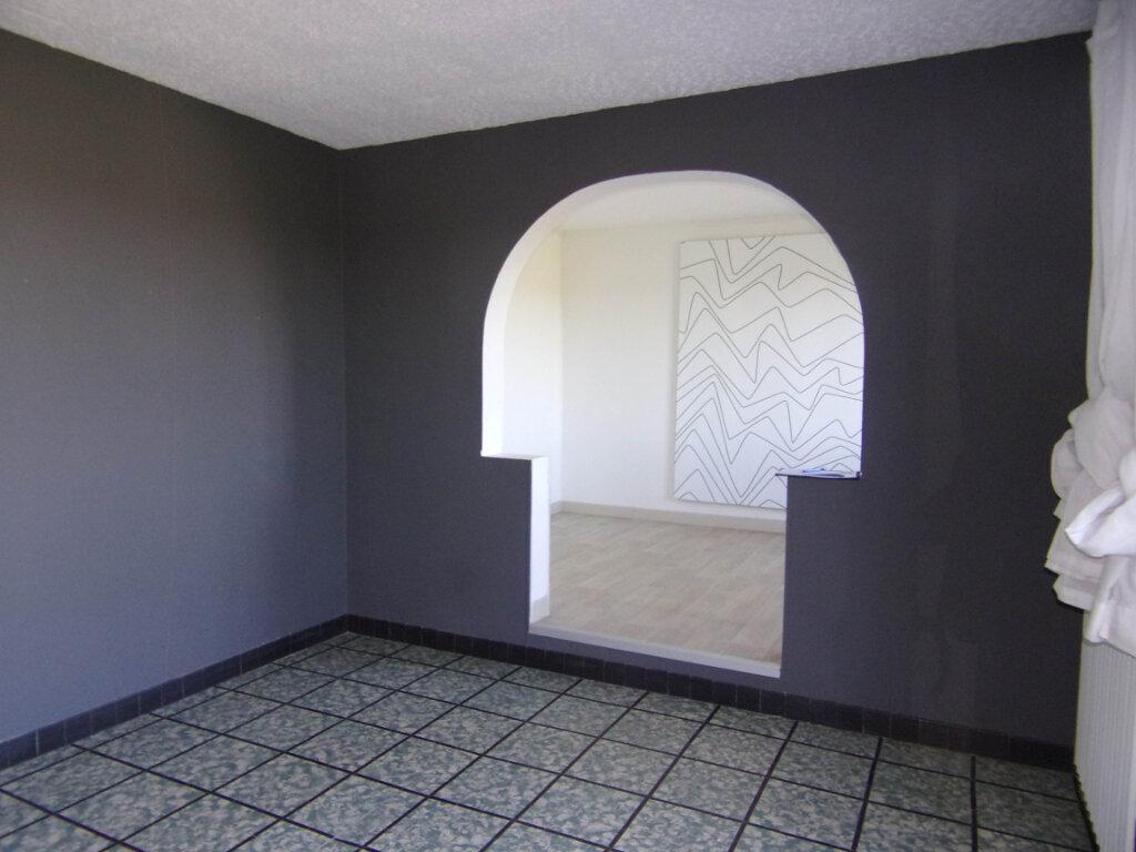 Location Maison 3 pièces à Sainte-Geneviève-des-Bois - vignette-3