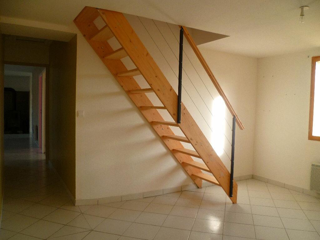 Achat Maison 6 pièces à La Chapelle-sur-Aveyron - vignette-6