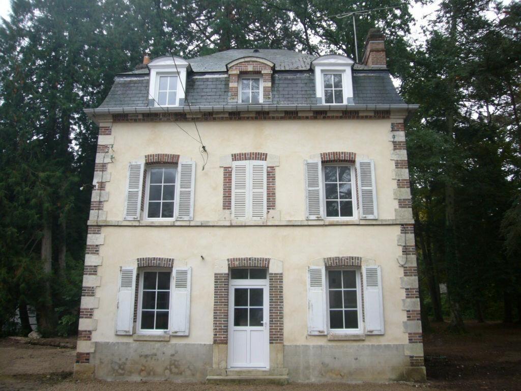 Location Maison 6 pièces à Sainte-Geneviève-des-Bois - vignette-1