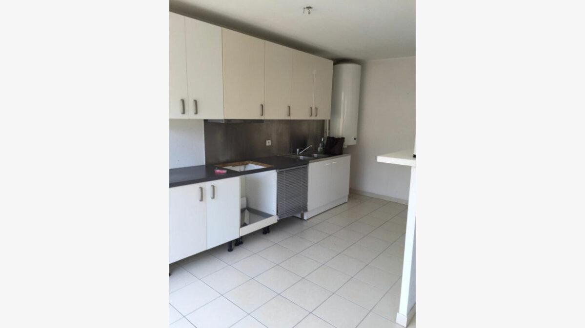 Location Appartement 3 pièces à Carros - vignette-3