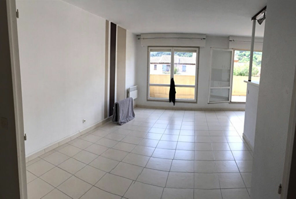 Location Appartement 3 pièces à Carros - vignette-4