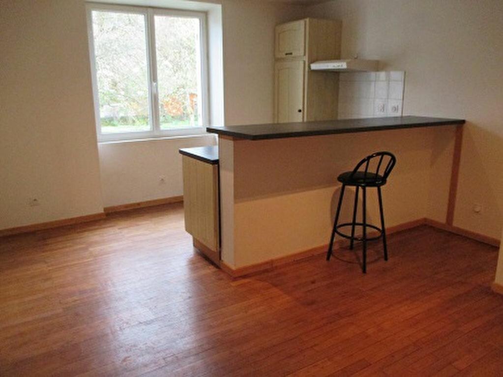Achat Appartement 2 pièces à Saint-Laurent-du-Pont - vignette-1