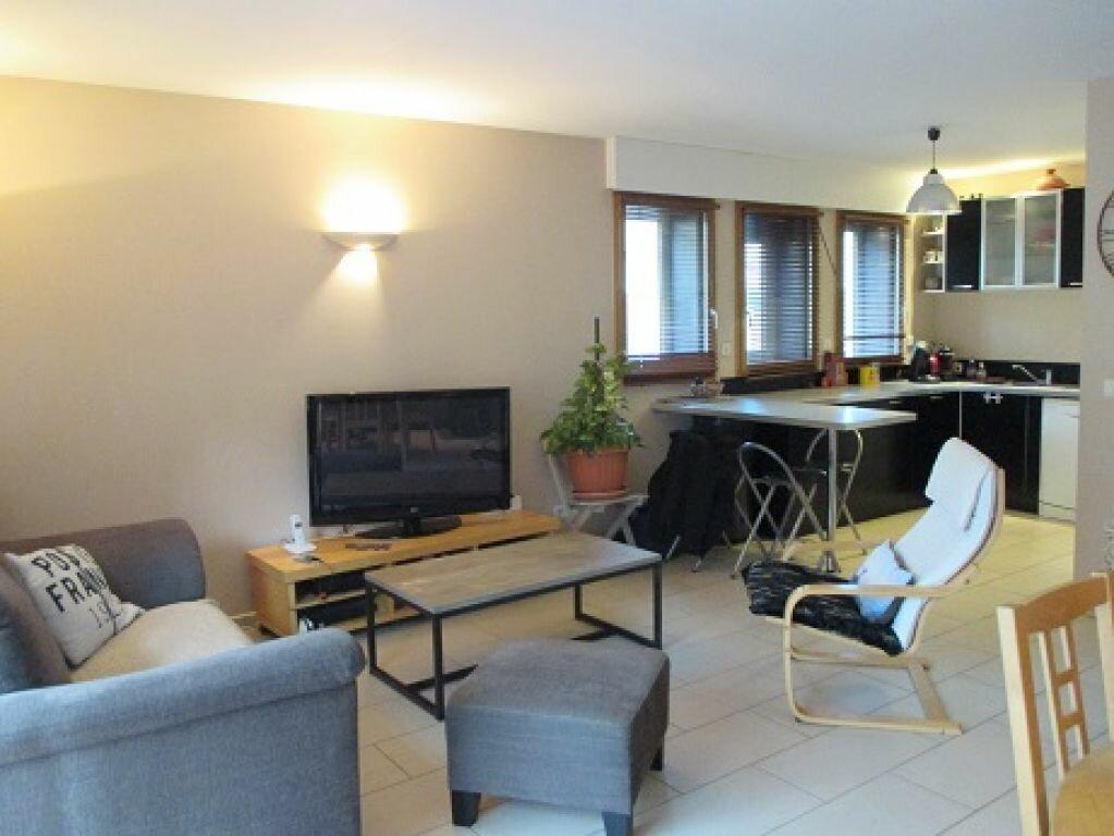 Achat Maison 4 pièces à Saint-Laurent-du-Pont - vignette-1