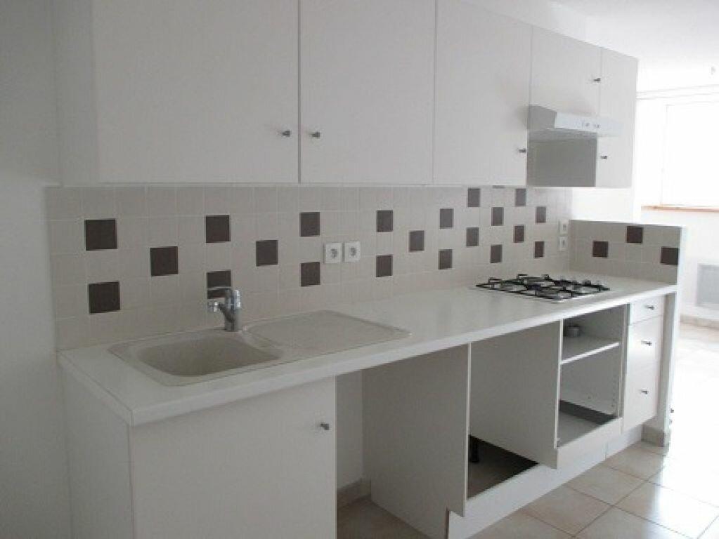 Location Appartement 2 pièces à Saint-Laurent-du-Pont - vignette-1