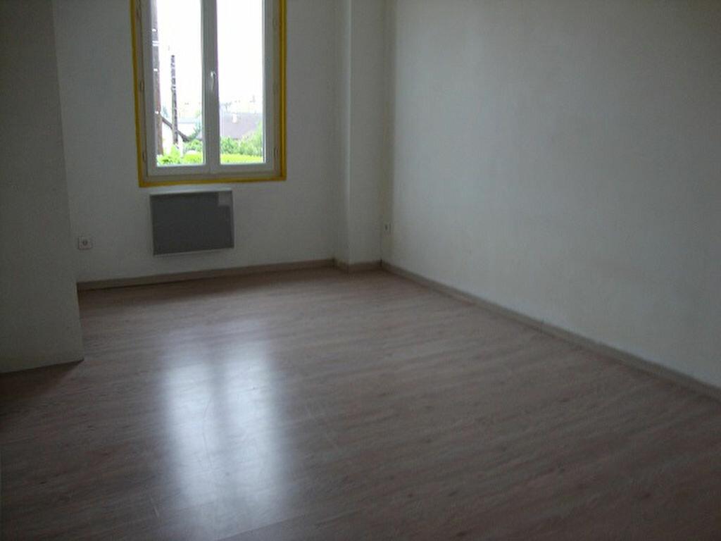 Achat Appartement 3 pièces à Saint-Laurent-du-Pont - vignette-4