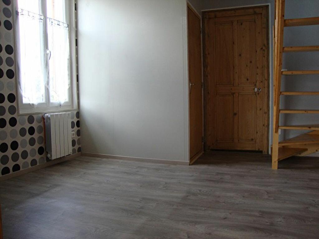 Achat Appartement 3 pièces à Saint-Laurent-du-Pont - vignette-5