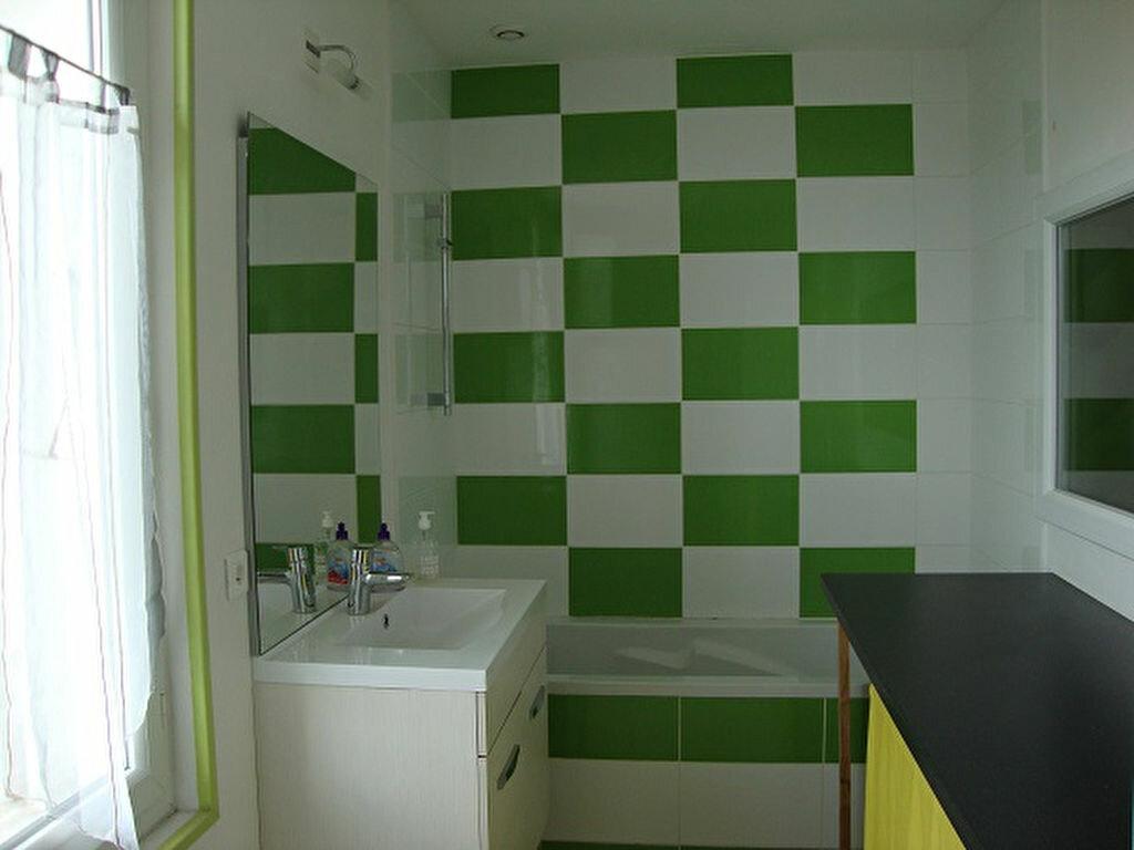 Achat Appartement 3 pièces à Saint-Laurent-du-Pont - vignette-6