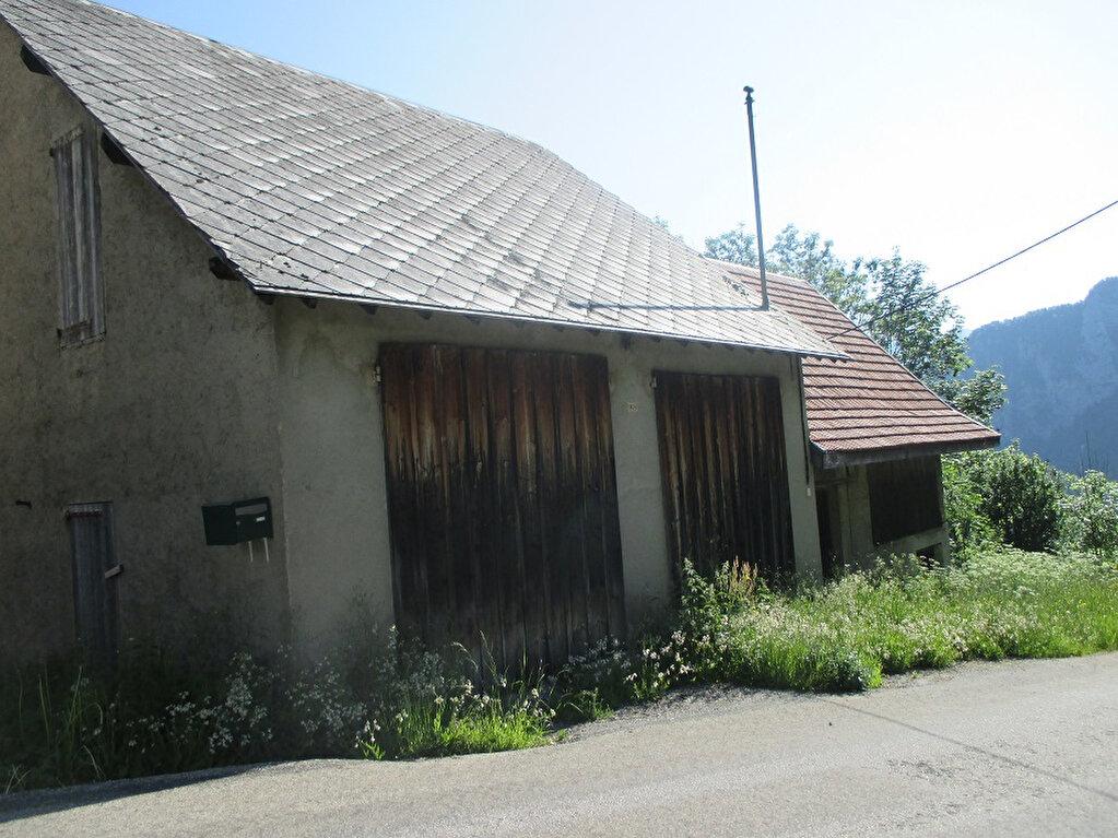Achat Maison 4 pièces à Saint-Christophe-sur-Guiers - vignette-5