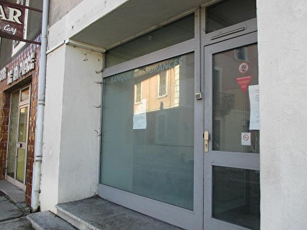 Location Local commercial  à Les Échelles - vignette-1