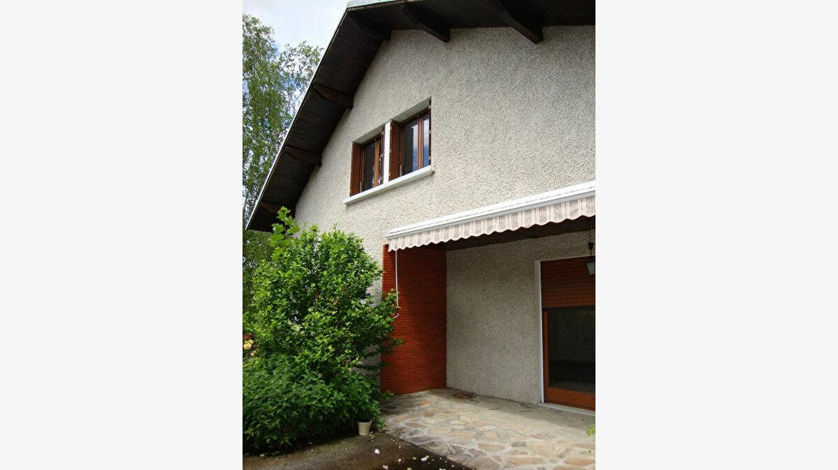 Achat Maison 6 pièces à Saint-Laurent-du-Pont - vignette-1