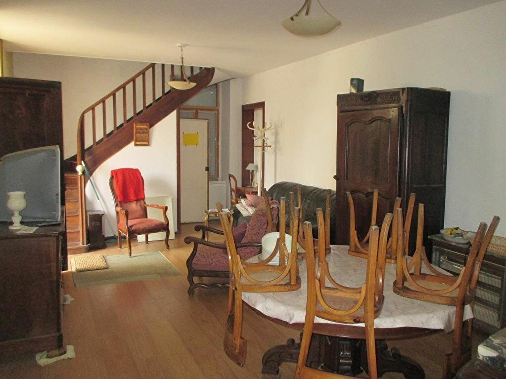 Achat Maison 7 pièces à Entre-deux-Guiers - vignette-1
