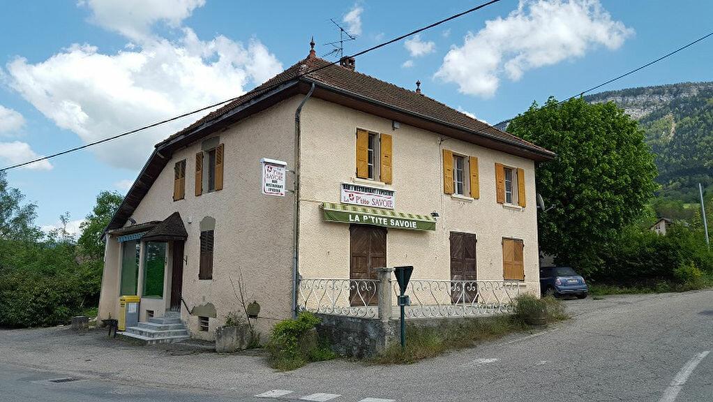 Achat Maison 4 pièces à Attignat-Oncin - vignette-1