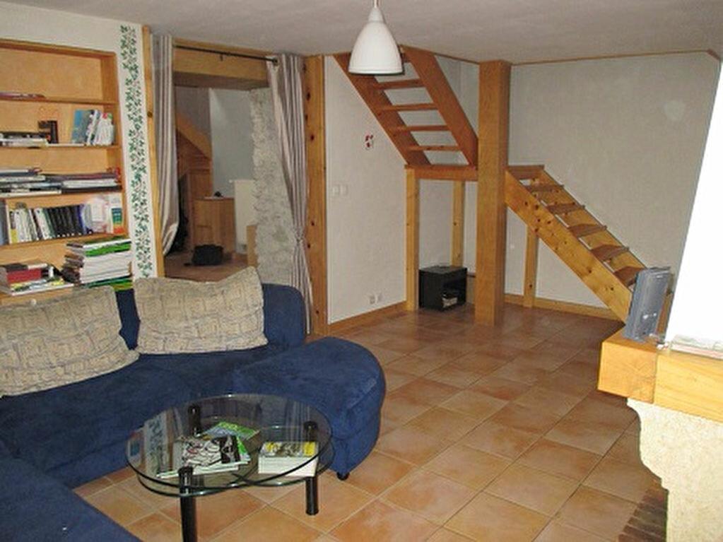 Achat Maison 5 pièces à Saint-Christophe-sur-Guiers - vignette-5
