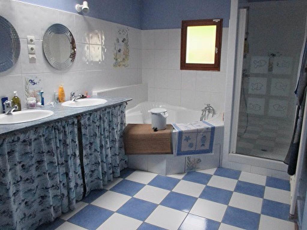 Achat Maison 5 pièces à Saint-Christophe-sur-Guiers - vignette-6