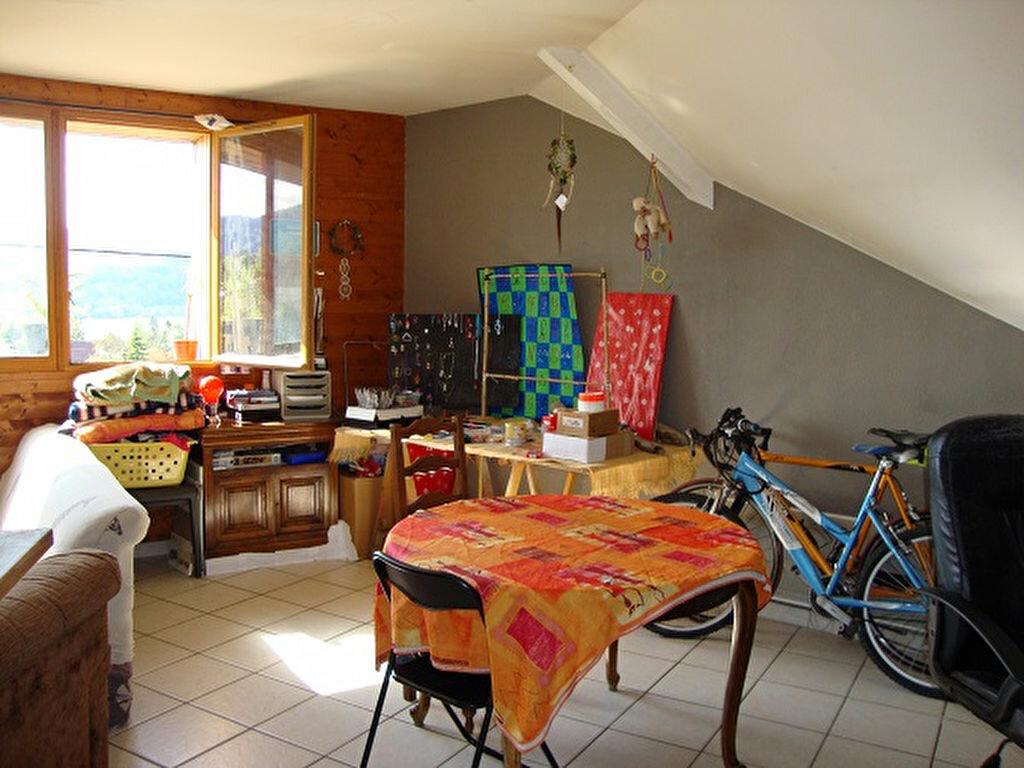 Achat Appartement 4 pièces à Saint-Laurent-du-Pont - vignette-1