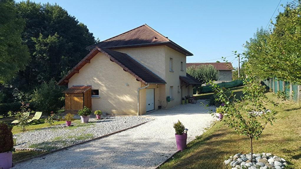 Achat Maison 5 pièces à Saint-Béron - vignette-1